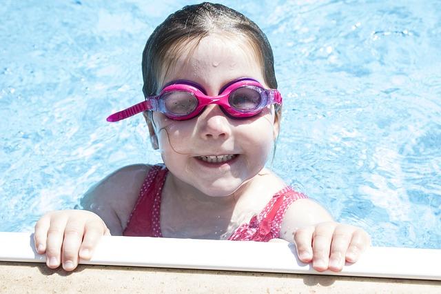 ochranné brýle na plavání