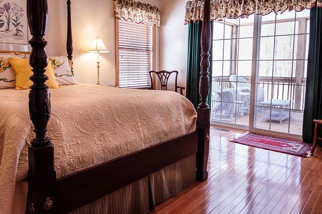 Honosná postel ze dřeva